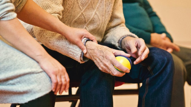 5 Questions to Ask When Choosing an Assisted Living Facility